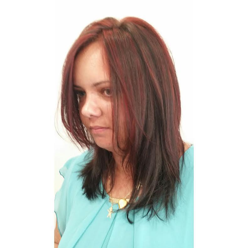גווןנים אדומים שיער מדורג