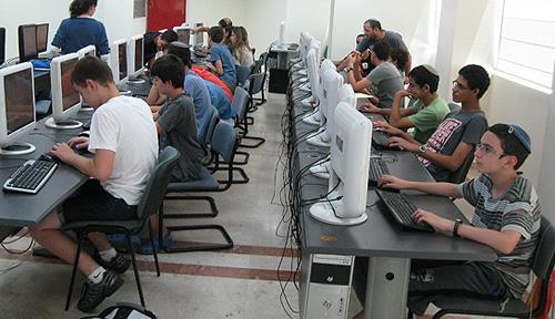 לימודי תכנות #C , C , לנוער בירושלים ובתל אביב.